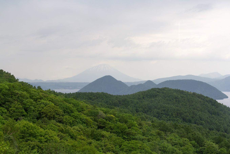 羊蹄山と洞爺湖