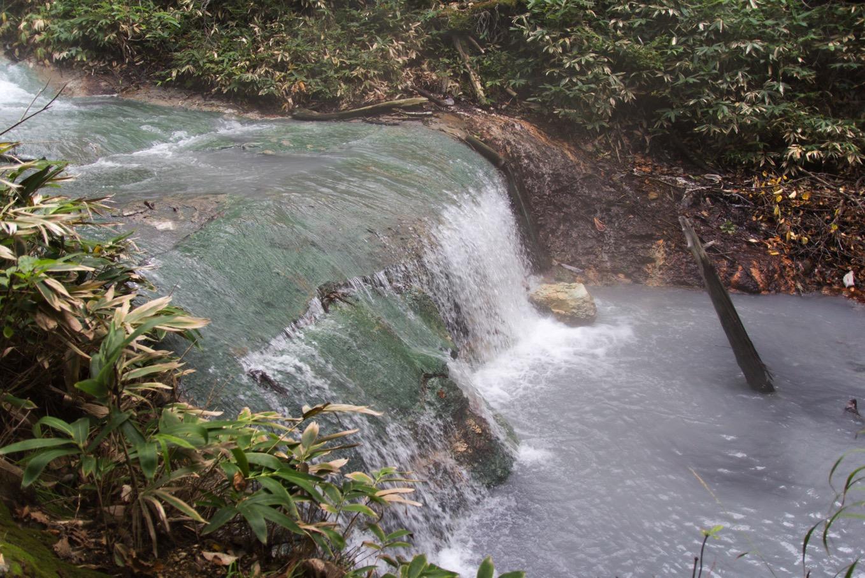 温泉の川です